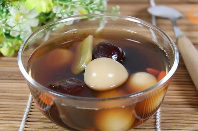 做法胸脯蛋火锅的糖水鹌鹑_鹌鹑红枣蛋糖水的红枣-味鸡家常肉吃做法图片