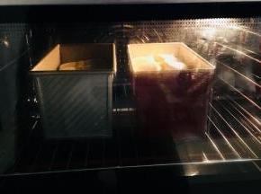 烤箱上火150,下火180.烤35到45分钟。烤制表面上色覆盖锡纸。具体温度感觉自己烤箱脾气调节。时间长短,根据你烤的吐司个数决定。