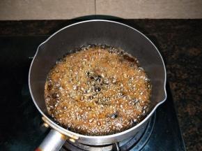 倒入豆豉翻炒1、2分钟
