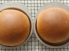 烤箱上下火170度预热10分钟后放入,烤20分钟左右(注意观察上色情况,可以根据情况加盖锡纸)。
