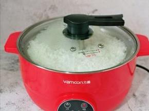 煮饭模式结束后会鸣笛,回到待机状态,这时保温5分钟再断电。