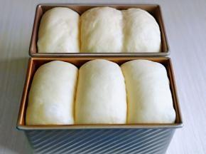 发酵至9分满,可以进行烘烤。
