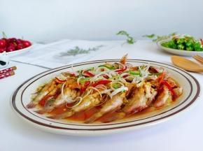 分分钟就可以搞定一盘清蒸石斑鱼,滋味不在话下,汤汁拌饭鲜美无比!